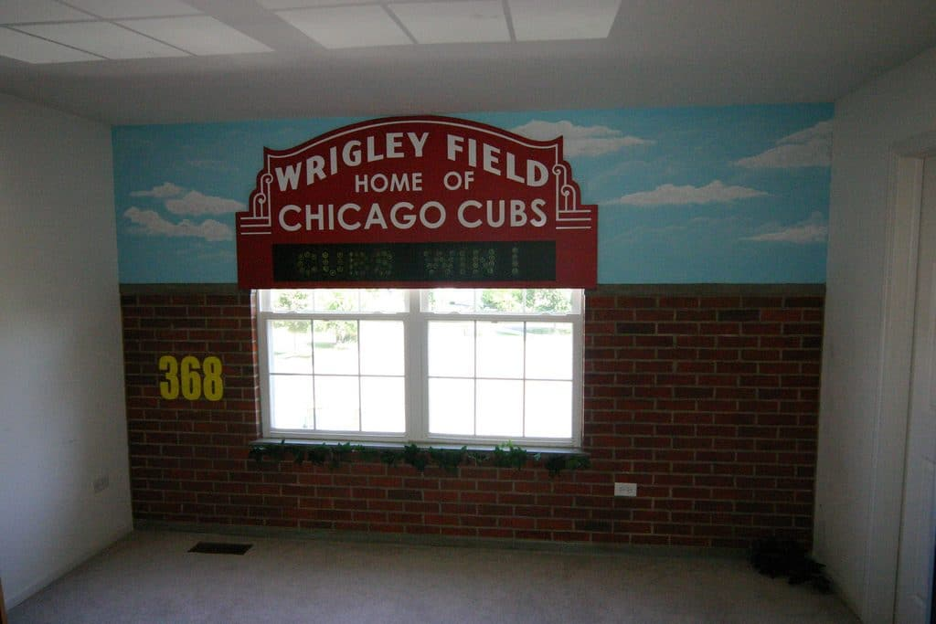 Adorable 30 chicago cubs wall art design ideas of 36 for Blackhawks mural chicago