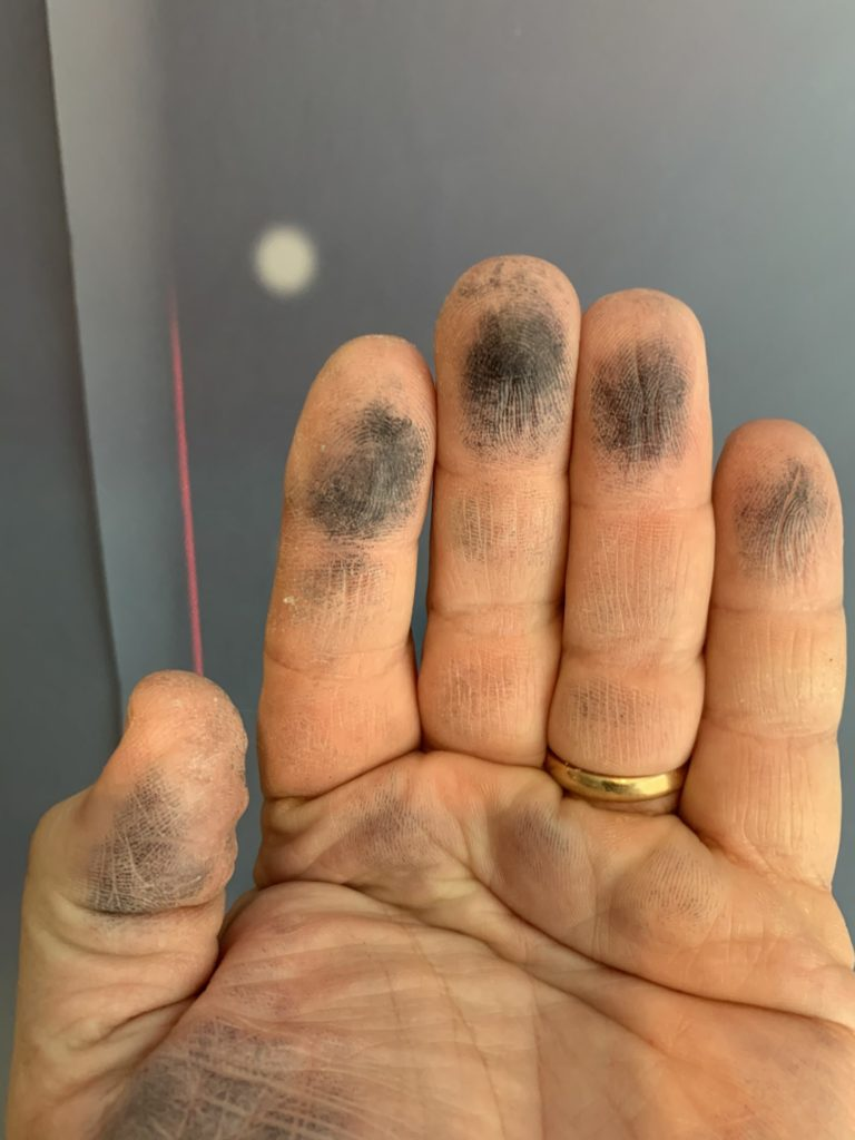 paint comes off on fingers